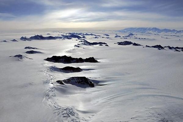 Descubren un enorme lago 'misterioso' bajo el hielo de la Antártida -  EcoDiario.es