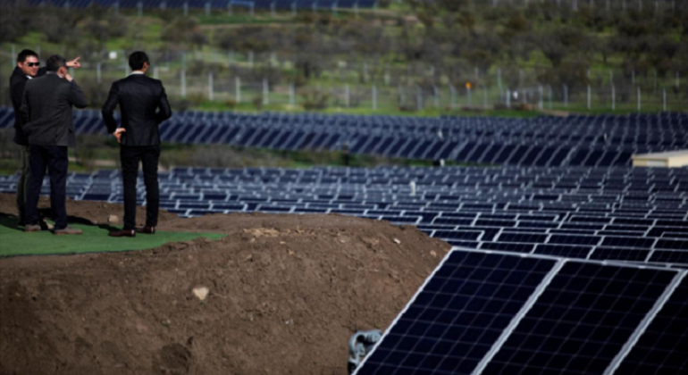planta-fotovoltaica-quilapilun.chile-reuters.png