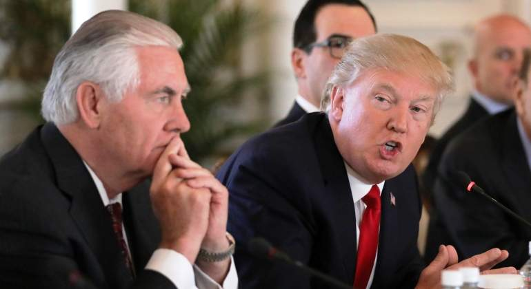 Reporte dice que Tillerson llamó idiota a Trump