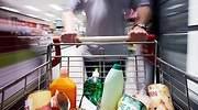 Hombre-con-carrito-de-la-compra-iStock.jpg