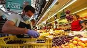 hombres-mascarilla-fruteria-mercado-central-valencia-precios-ipc-cesta-compra-europa-press-770x420.jpg