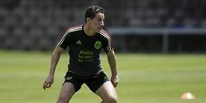 Andrés Guardado luce en goleada del Betis