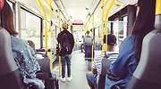 Gente-viajando-en-autobus-iStock.jpg