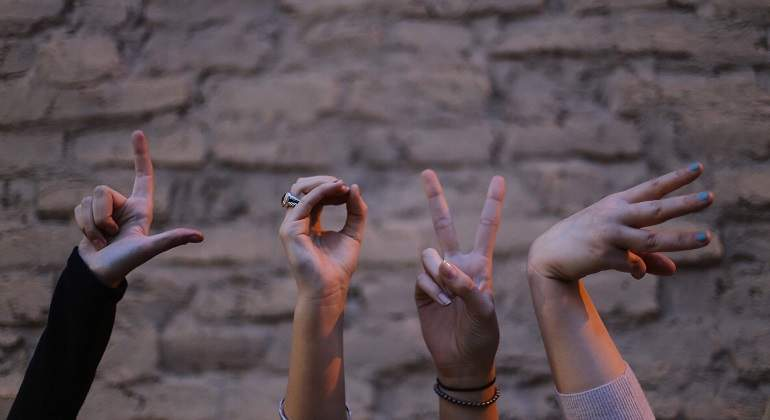 Diez gestos que nunca puedes hacer al visitar otros países