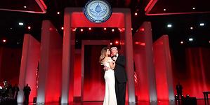 Melania Trump donará al Smithsonian su vestido
