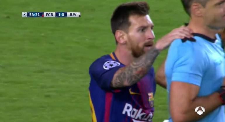 Messi-agarra-Skomina-2017-antena3.jpg