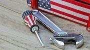 eeuu-bandera-herramientas-dreamstime.jpg