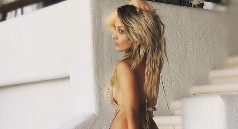 Fey muestra su figura con poca ropa en Instagram