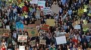 Cientos de miles de jóvenes de todo el mundo se movilizan para exigir acción urgente contra el cambio climático