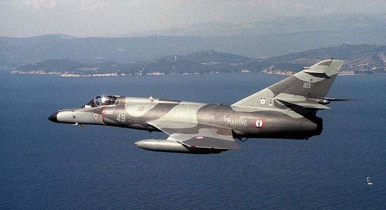 AvionesMilitarFrancia770.jpg