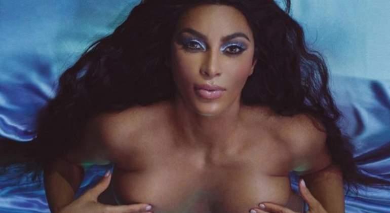 kardashian-desnuda-virgen770.jpg