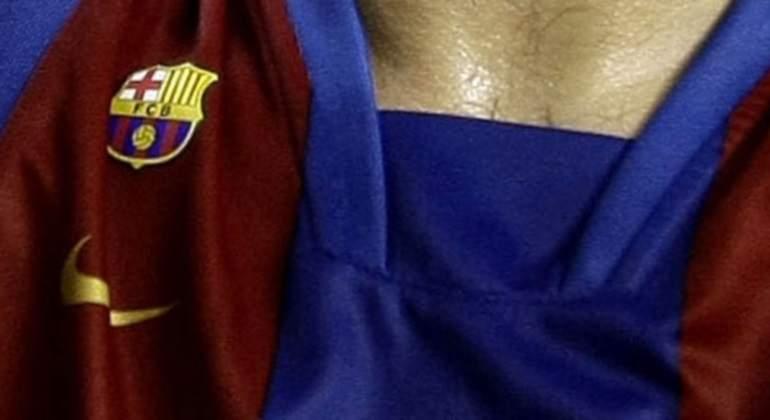 barcelona-camiseta-escudo.jpg