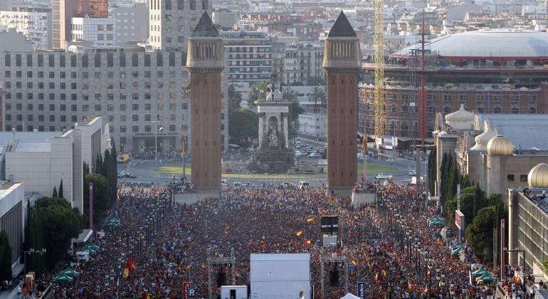 barcelona-Plaza-espanya-2010-mundial-reuters.jpg