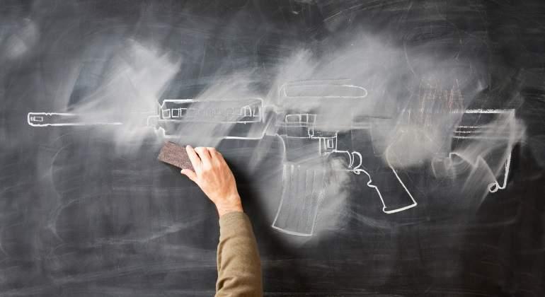 pizarra-pistola-terrorismo-getty.jpg