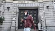 economia-banco-de-espana-BdE-edificio-hombre-mascarilla-coronavirus-covid-reuters-770x420.jpg