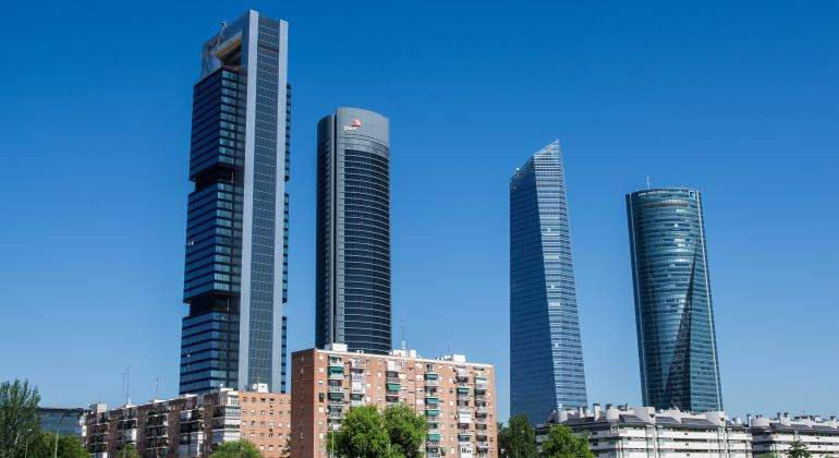 D nde est n los metros de oficinas disponibles en madrid for Oficinas axa madrid