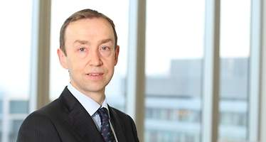 Simon Ward: Espero una recesión global el año que viene