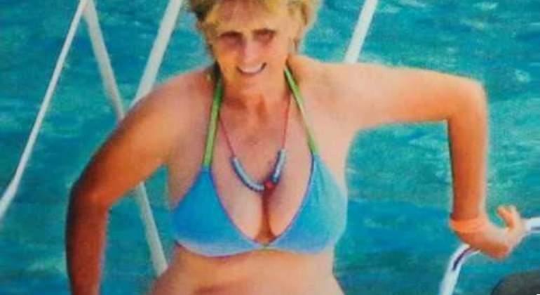 Mercedes mila en bikini action!