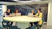 Varios empleados en uno de los nuevos espacios de trabajo de Indra