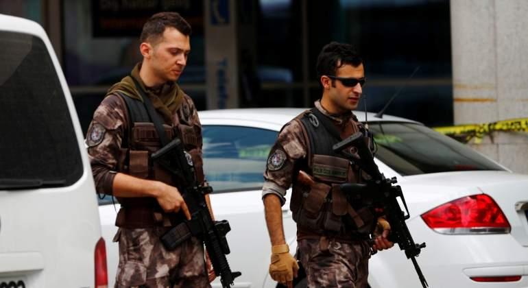 policia-turquia-jul2016-reuters.jpg