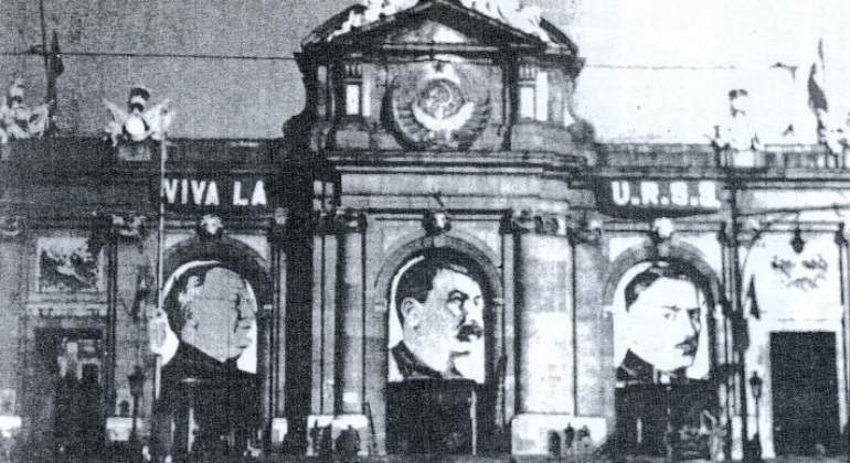 stalin-puerta-alcala-pravda.jpg