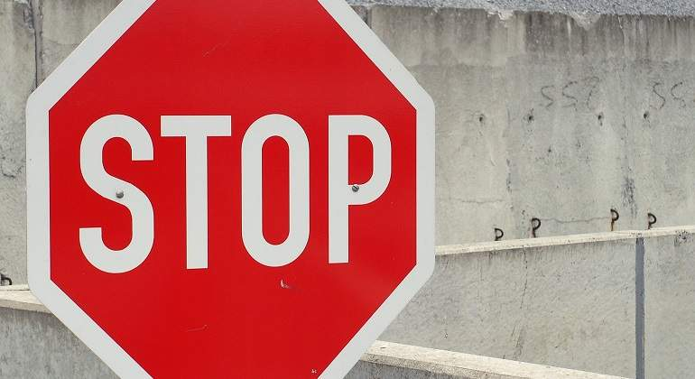 senal-stop