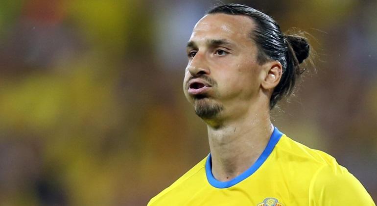 Resultado de imagen para Ibrahimovic triste selección de Suecia