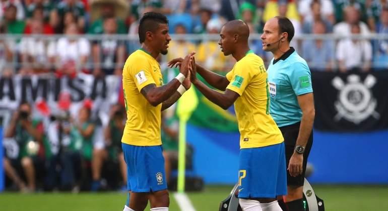 Paulinho no se entrena con Brasil y enciende las alarmas en el centro del  campo de la canarinha b7cecb5780462