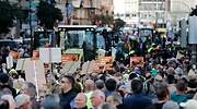 Miles de agricultores y tractores colapsan el centro de Valencia para reclamar unos precios justos