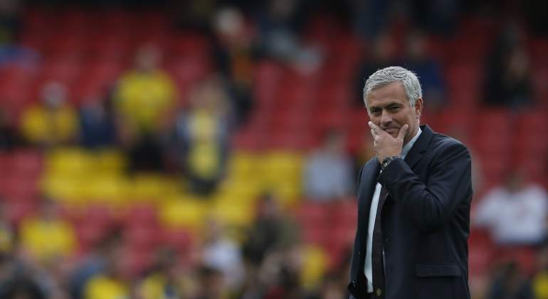 Mourinho-tapa-cara-2016-reuters.jpg