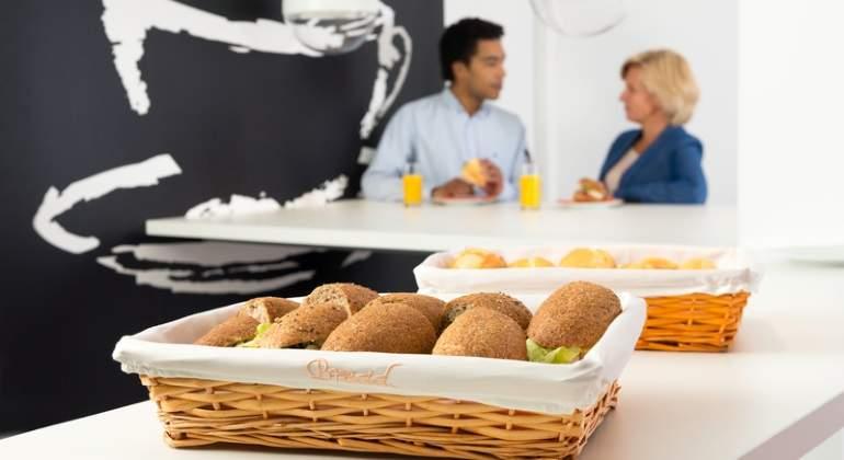 39 pomodoros 39 desayuno gratis o premium friday los trucos for Comida oficina