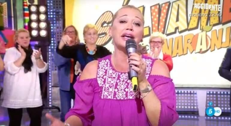 belen-esteban-cantando.jpg