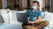 teletrabajo-sofa-casa-coronavirus-mascarilla-ordenador-770-dreamstime.jpg