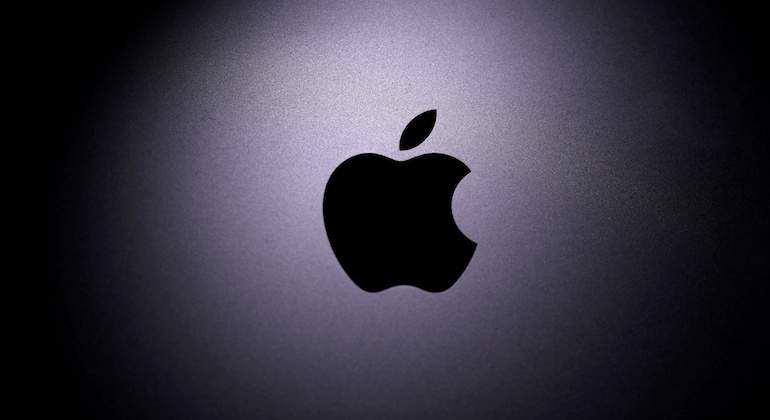 apple-770-reuters.JPG