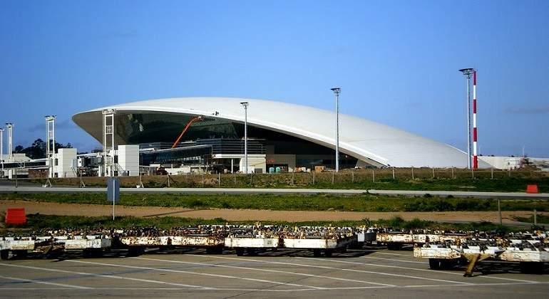 aeropuerto-internacional-de-carrasco770.jpg