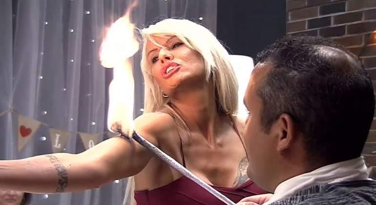 acrobata-vaginal-first.jpg