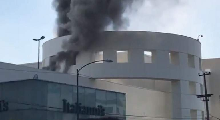 Incendio-Plaza-Universidad-Twitter.jpg