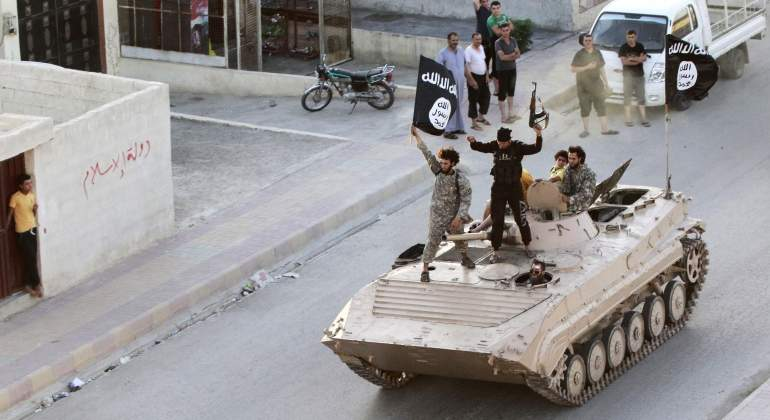 estado-islamico-tanque-banderas-reuters.jpg