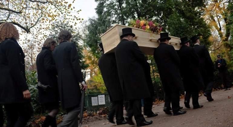 Funeral_92018_1920.jpg