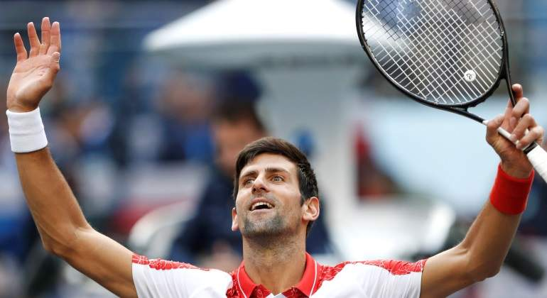 Novak Djokovic pasa a cuartos de Shanghái tras vengarse de Cecchinato