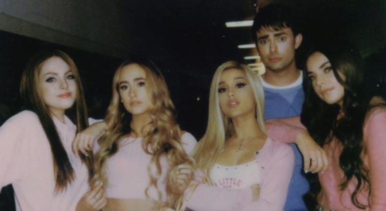 ariana-grande-regina-george-mean-girls.png