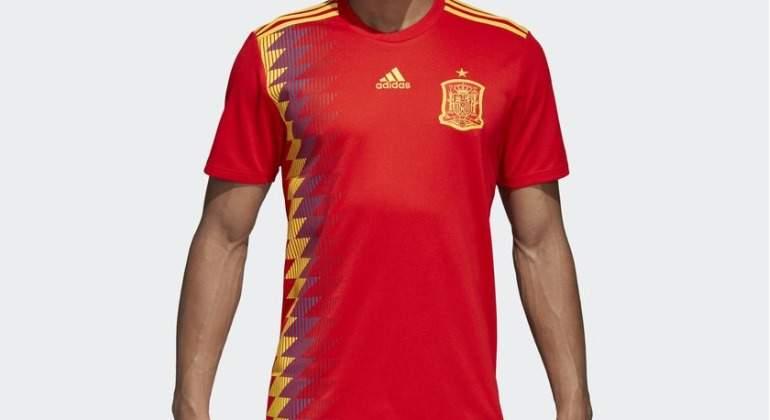 ¿Por qué se ve morado el azul de la camiseta  republicana  de la selección  española  91b367eee880c