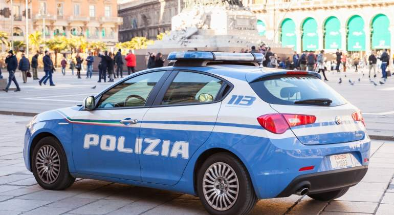 policia-milan-lobo-solitario-ei-dreamstime.jpg