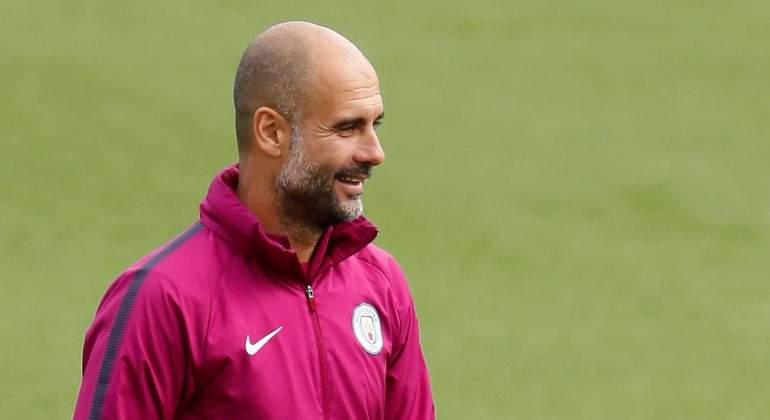 Guardiola-Entrenamiento-City-rosa-2018-Reuters.jpg