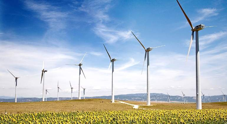 La CNMC ataca la burbuja de los puntos de conexión de renovables