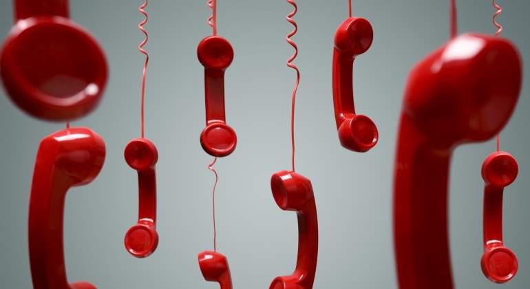 telefonos-rojos-caen-dreamstime.jpg