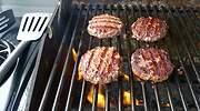 barbacoa-portatil-hamburguesa-dreamstime.jpg