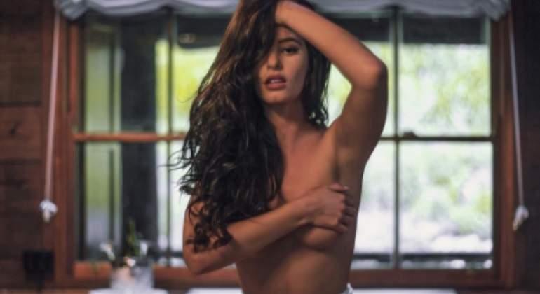 Jaylene Cook Modelo De Playboy Se Desnuda En Un Monte Sagrado