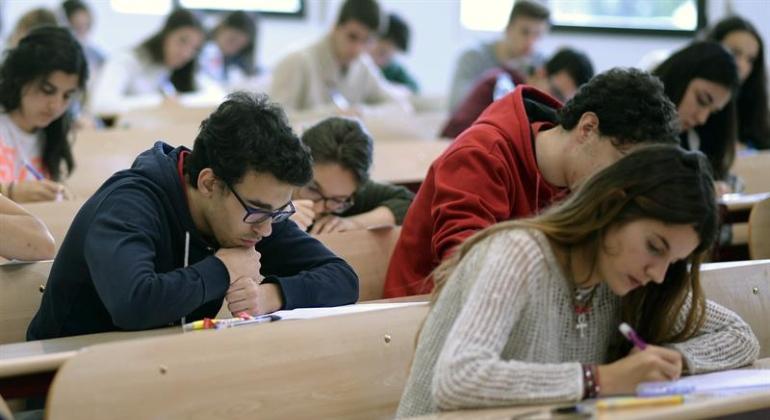 alumnos-prueba-selectividad-efe.jpg