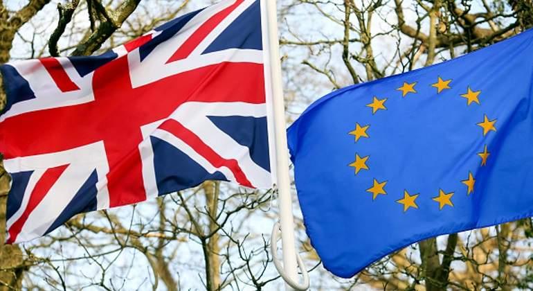 Gobierno británico sufre derrota parlamentaria con Ley del Brexit